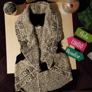 Rounded Warm Vests